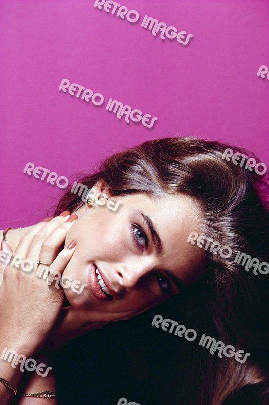 Brooke Shields 8x12 PS12101