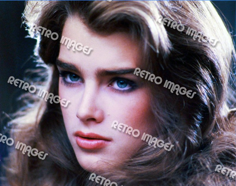 Brooke Shields 8x10 PS1701