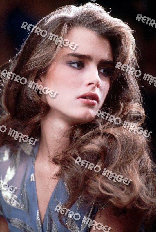 Brooke Shields 8x10 PS1702