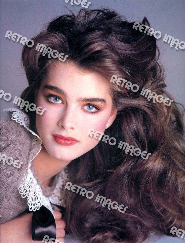 Brooke Shields 8x10 PS3401