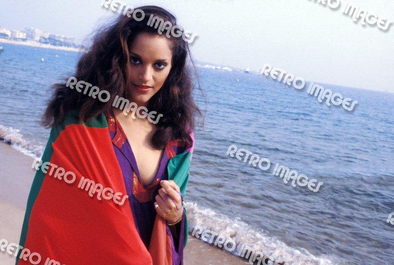 Jayne Kennedy 8x10 PS601