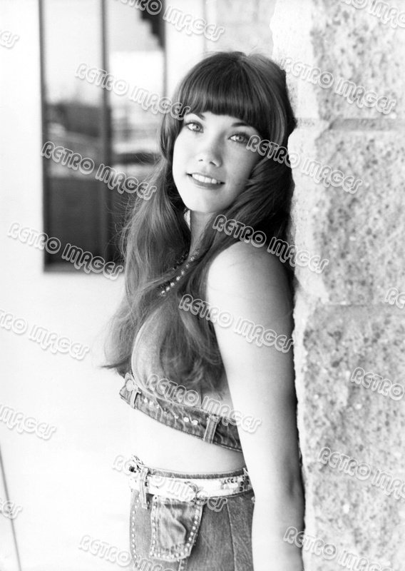 Barbi Benton 8x10 PS1901