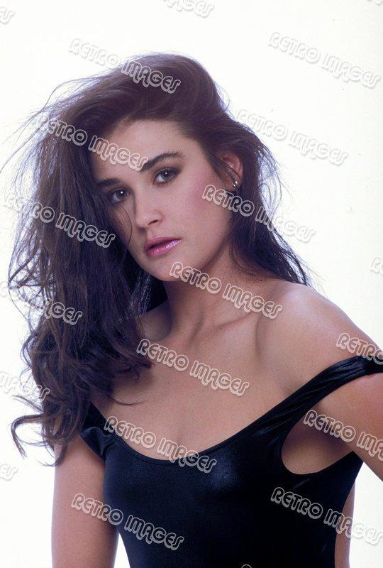 Demi Moore 8x12 PS1502