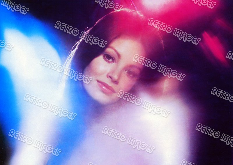 Jaclyn Smith 8x10 PS60-302