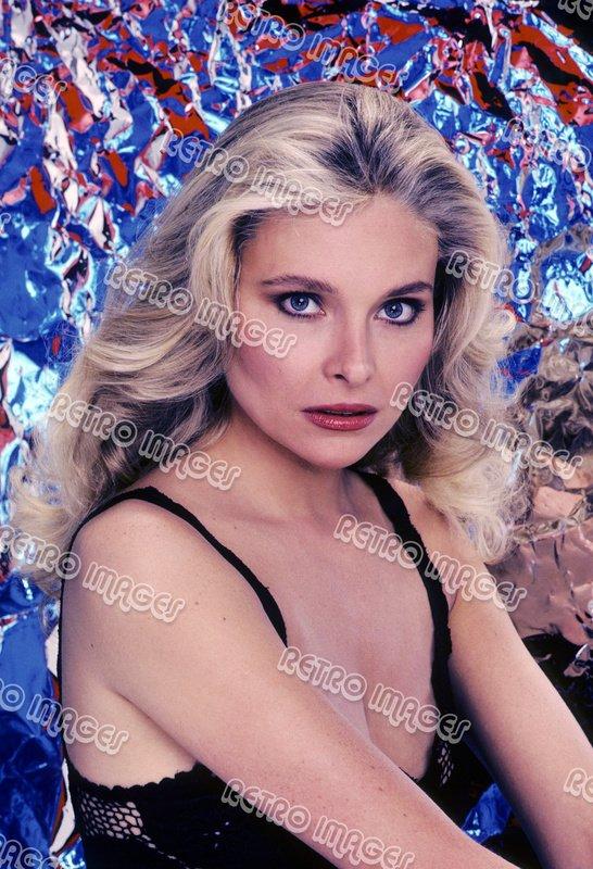 Priscilla Barnes 8x10 PS1005