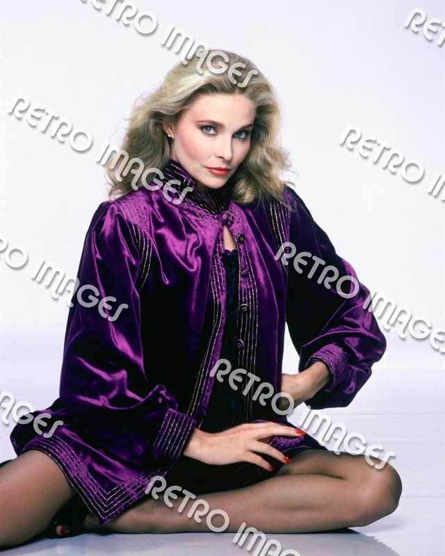Priscilla Barnes 8x10 PS1101