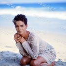 Halle Berry 8x10 PS1701