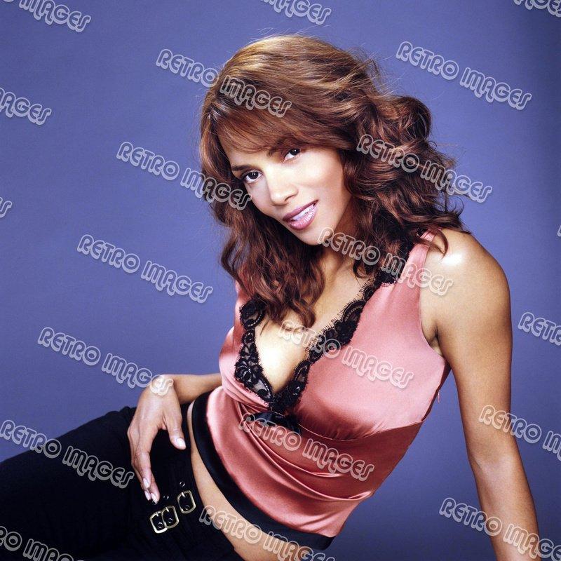 Halle Berry 8x10 PS704