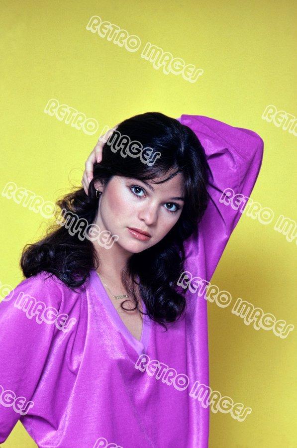 Valerie Bertinelli 8x12 70-PS801