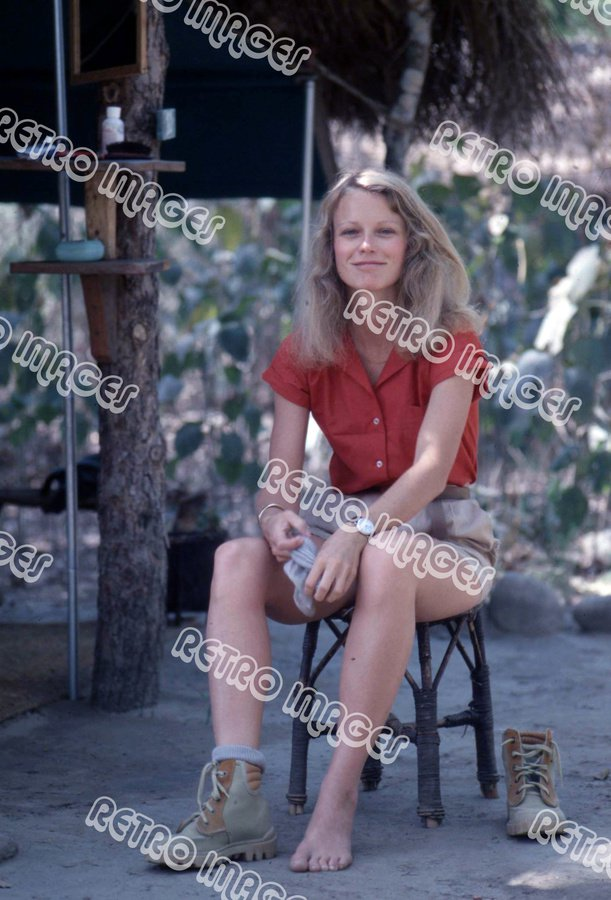 Shelley Hack 8x10 PS3201