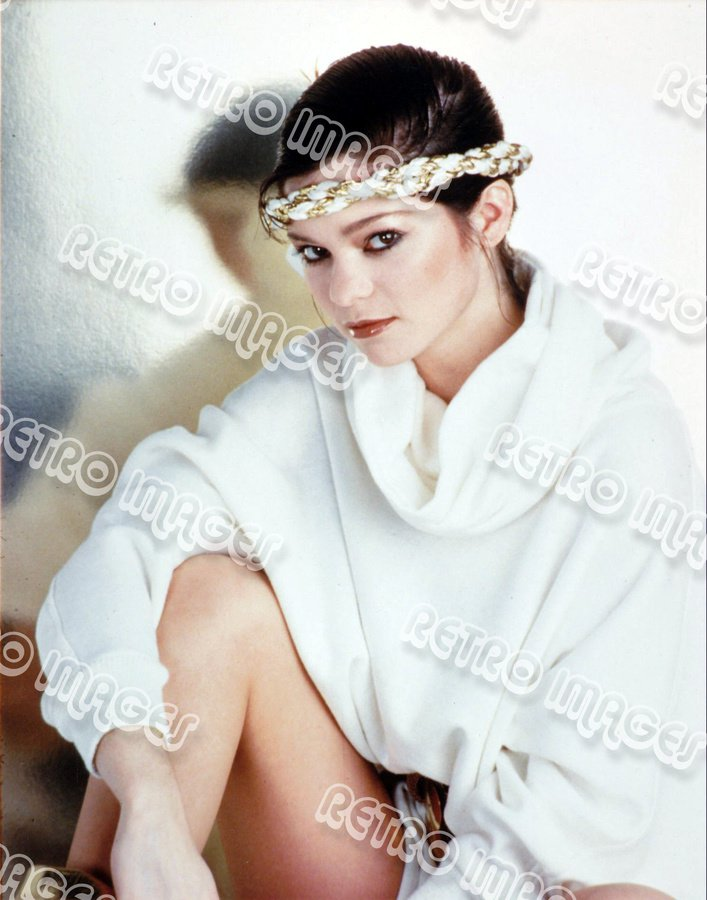 Valerie Bertinelli 8x10 80-PS2601