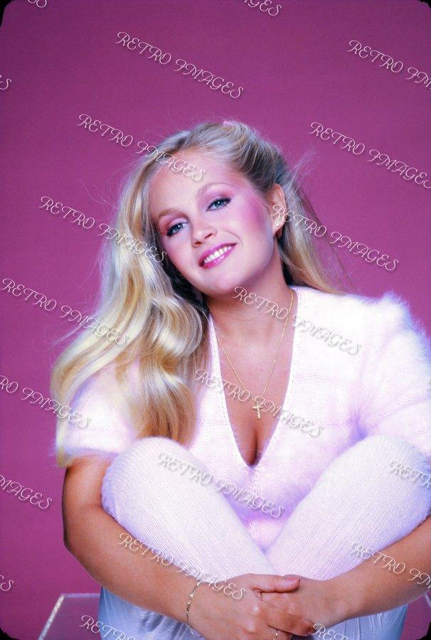 Charlene Tilton 8x12 PS5-301