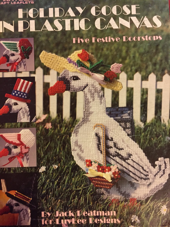 Holiday Goose, Leisure Arts, Pattern Leaflet #1360 5 Festive Doorstops