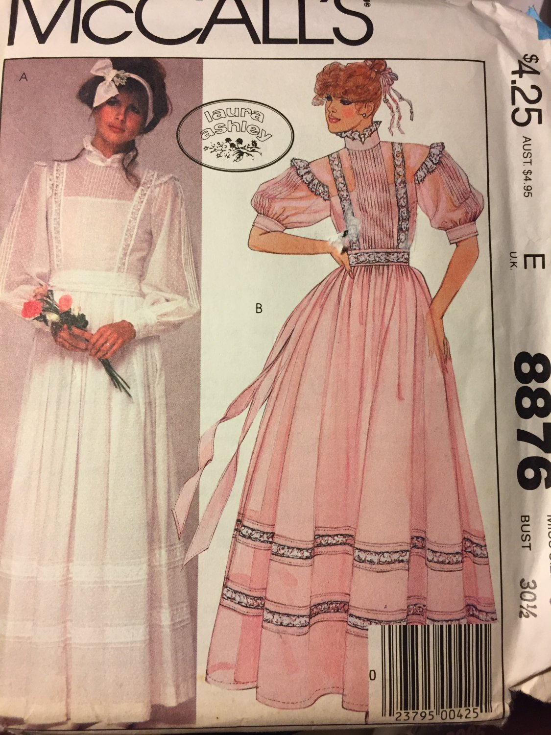 McCall�s 8876 Sewing Patterns Misses Bridal Wedding Dress or gown by Laura Ashley Size 6