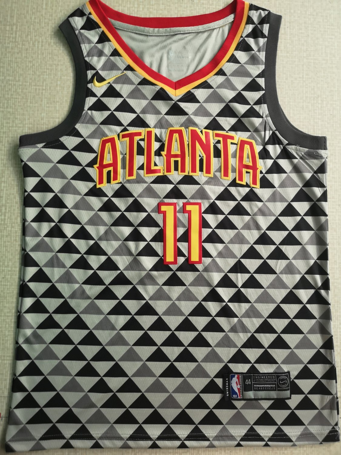 sports shoes 2ae69 3b3a9 Men's Atlanta Hawks #11 Trae Young Jersey Throwback