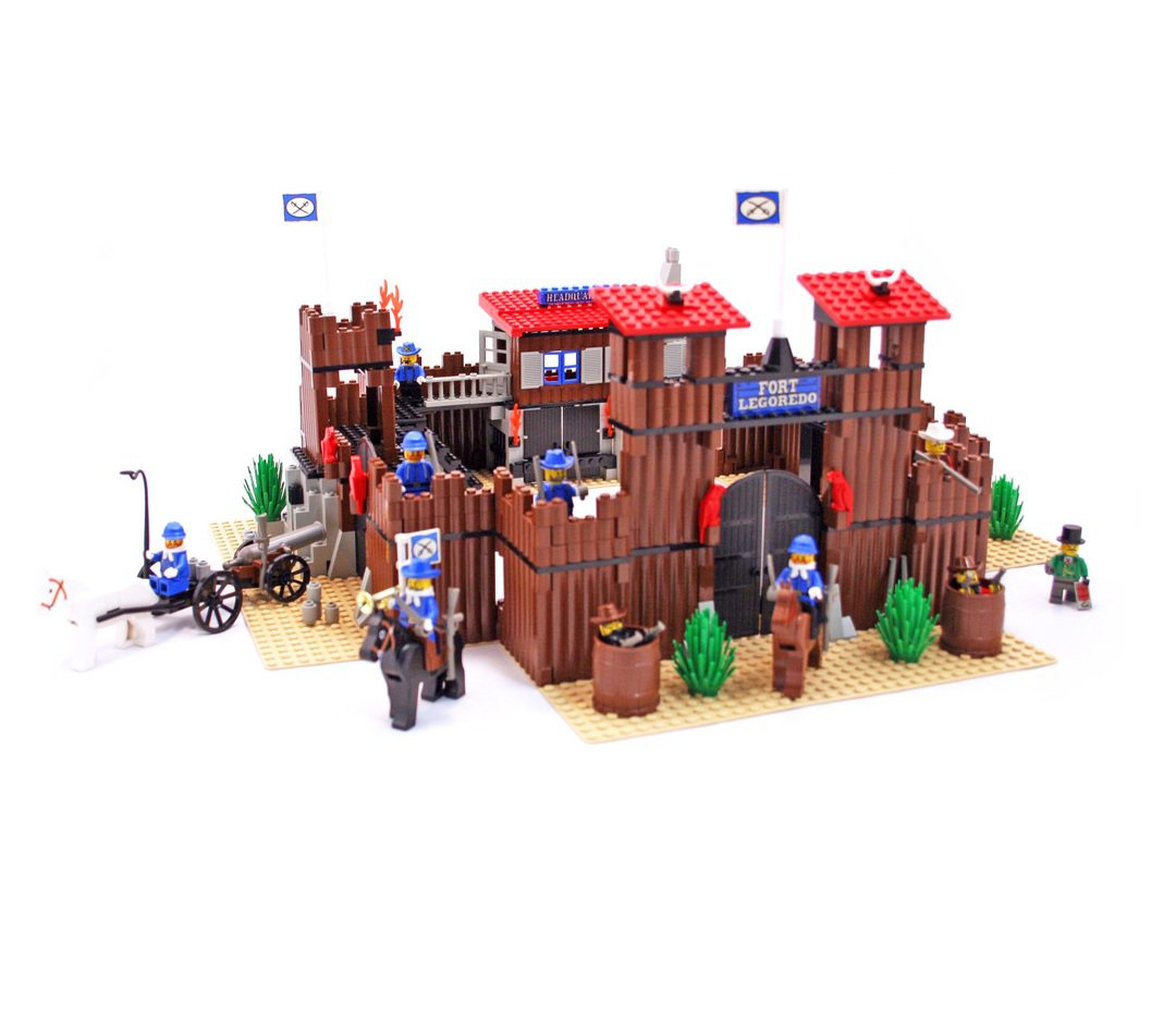 LEGO 6769 System Western Series Fort Legoredo Retiered and Rare