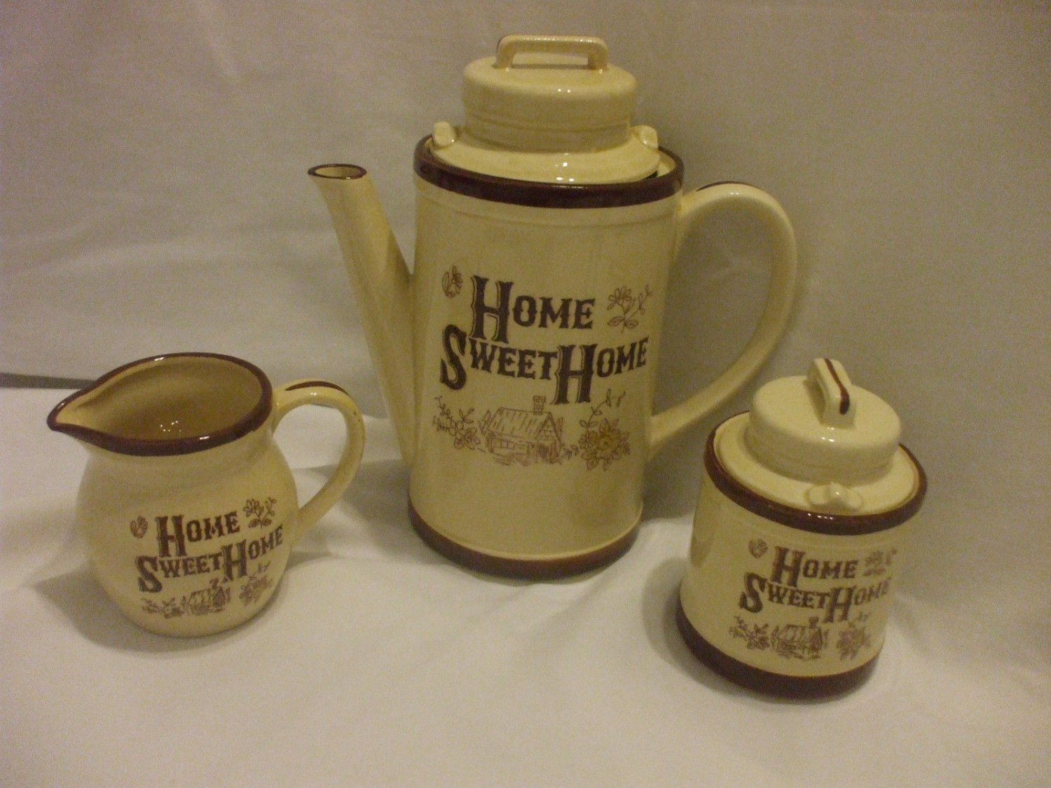 Shabby Chic 5 pcs Coffee/Tea Set With Lids Sugar Bowl And Creamer Beige And Brown Porcelain