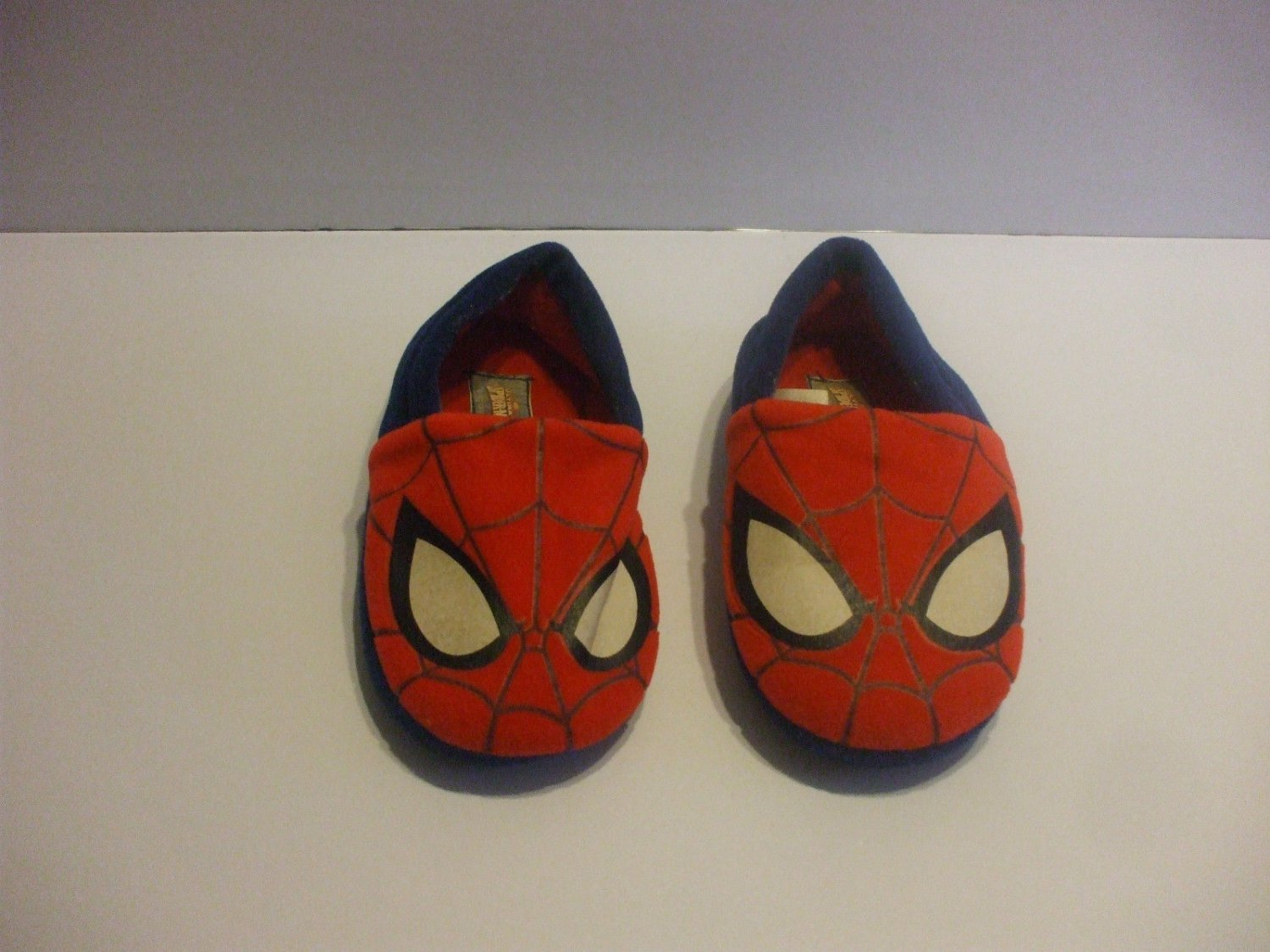 Red & Blue Spiderman Slippers Size 11/12 Toddlers 3-4 years Old