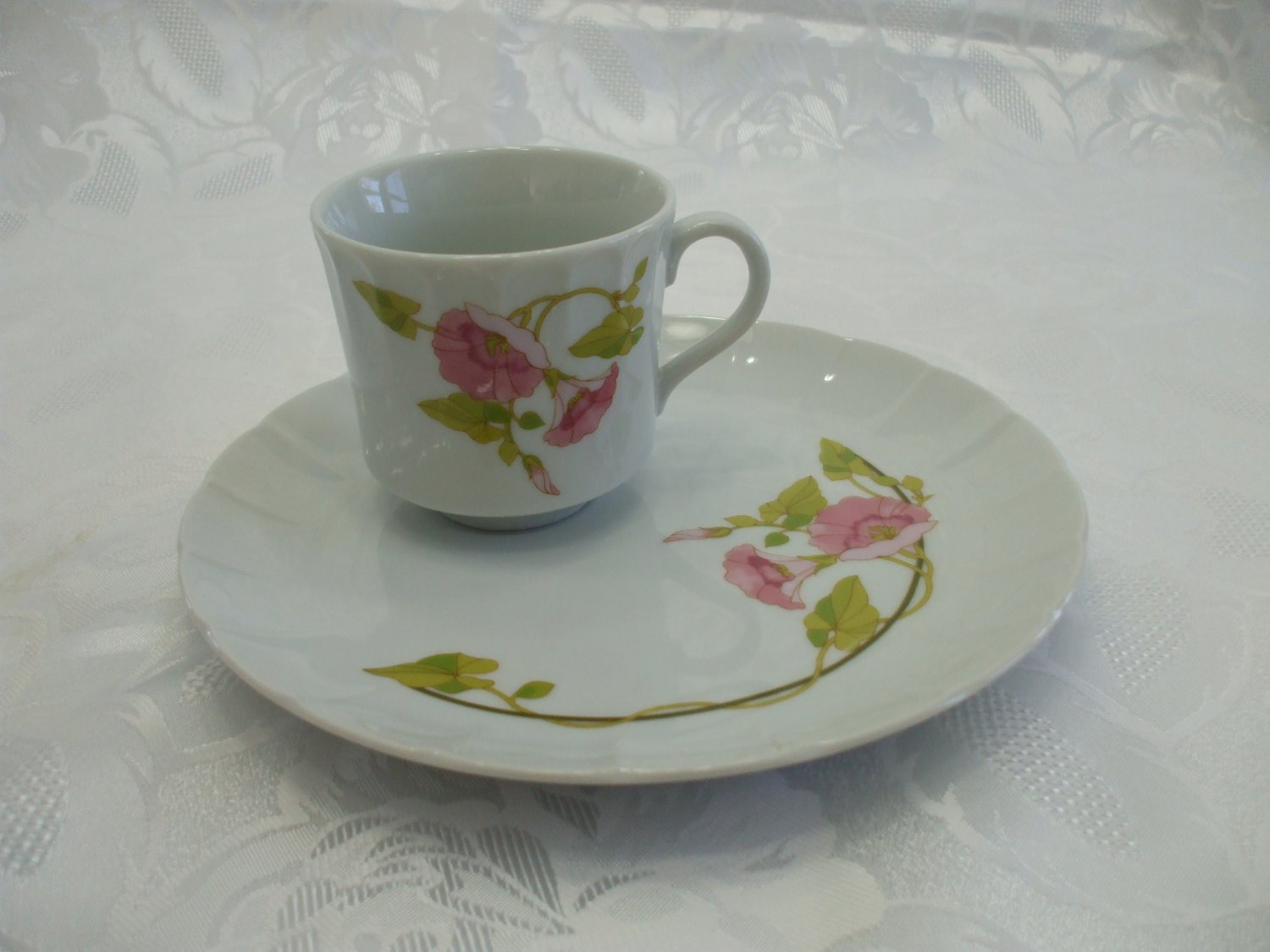 Vintage Toscany Collection Morning Glory 2 Pc Tea Cup And Snack Plate