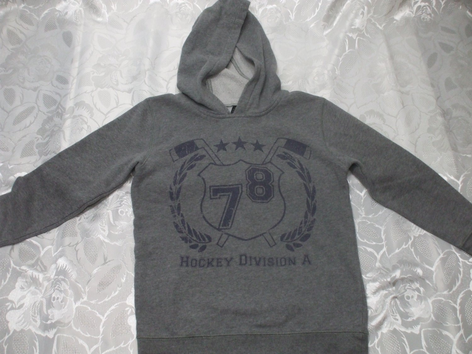 Kids Gray Hoodie Long Sleeve Sweater Small 7-8 Years Old