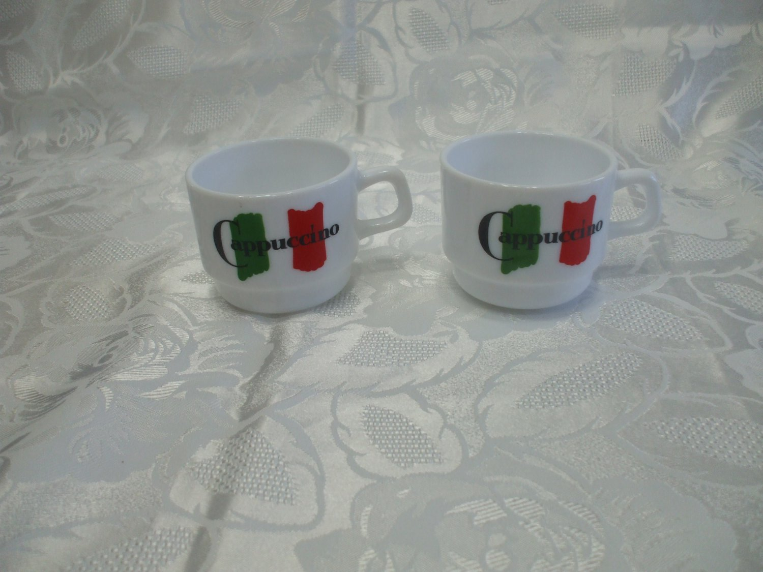 2 Maxwell House Cappuccino Cups