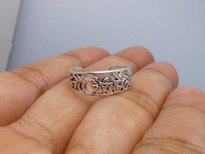 Sterling Silver Flower Toe Ring
