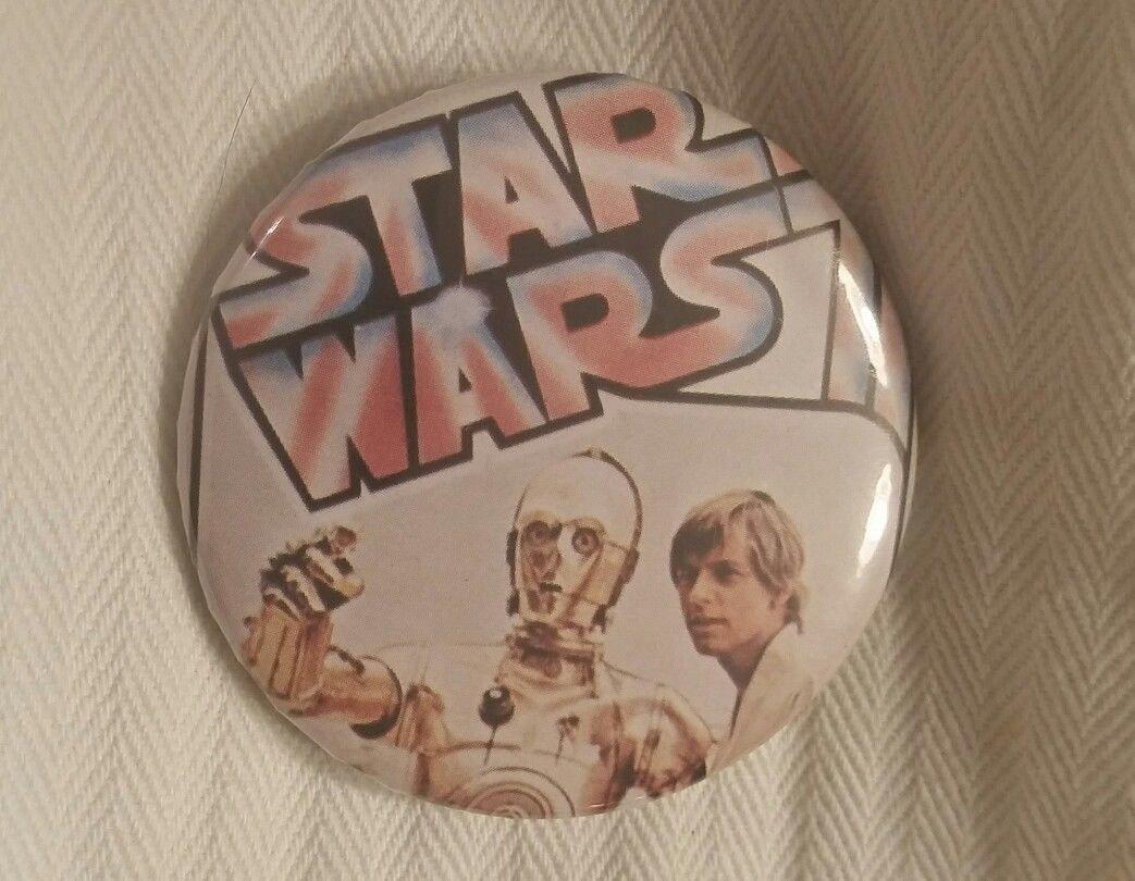 Star Wars Episode IV A New Hope Pin-Back Button, Luke Skywalker and R2D2 Vintage
