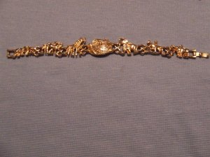 Bracelet Noah's Ark. Goldtone $4.97 shipping included