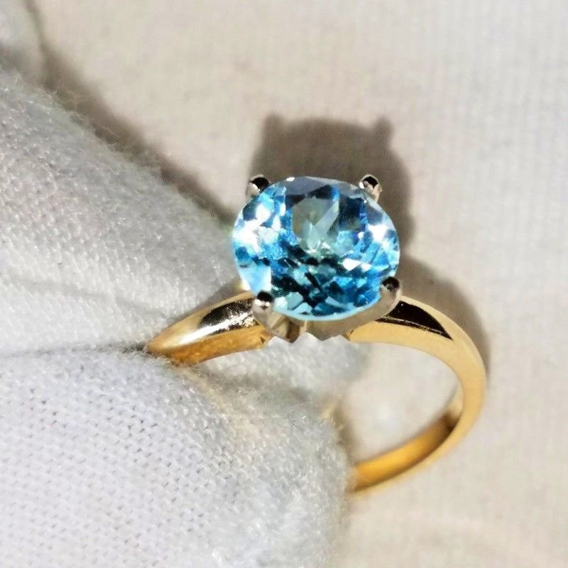 NATURAL Solitaire 1.68 Carat Sky Blue Topaz Set In 14K Solid Yellow Gold.