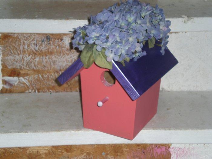 Mohawk Hydrangia Bird House