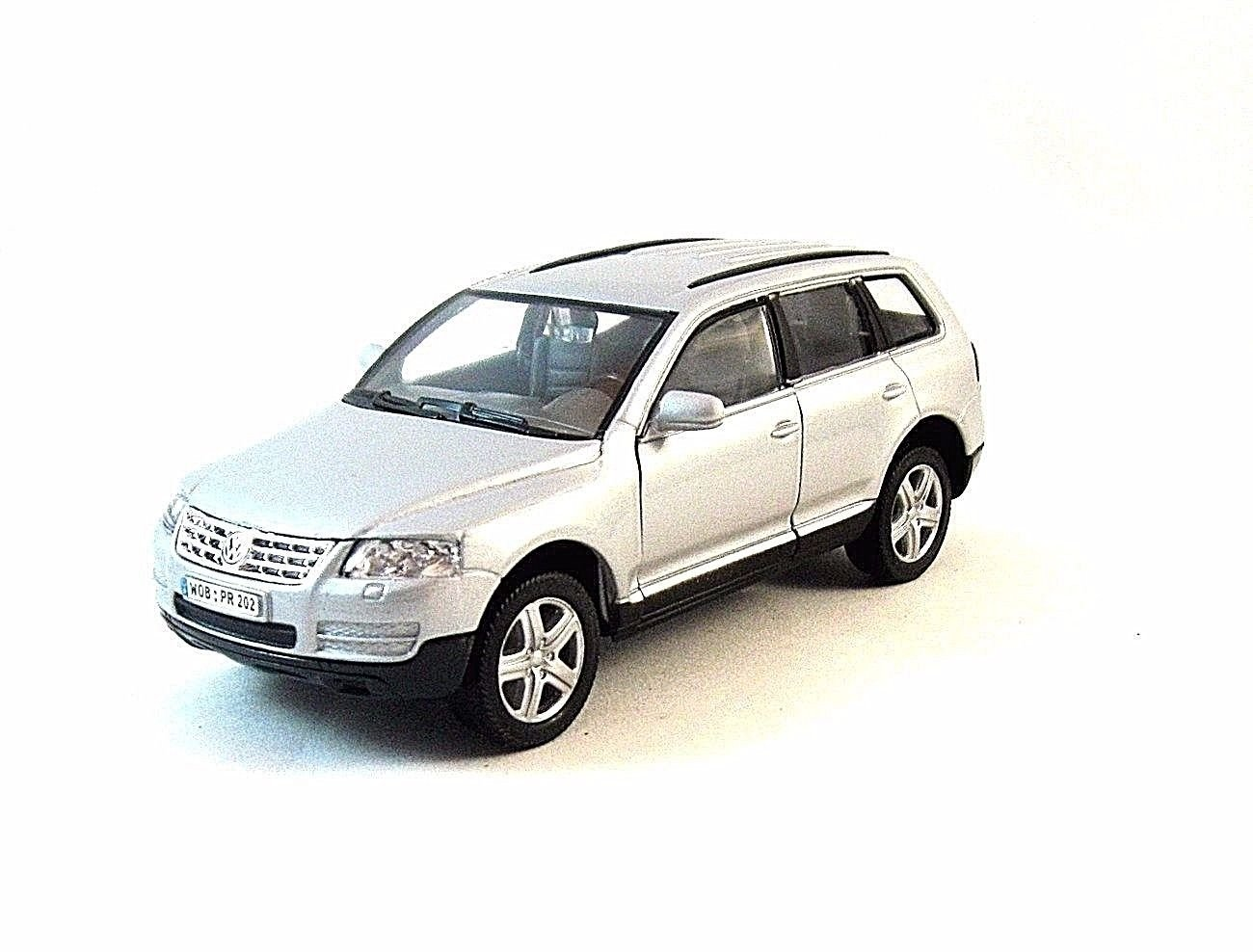 VOLKSWAGEN TOUAREG SILVER WELLY 1/32 DIECAST CAR MODEL,COLLECTOR'S MODEL , NEW