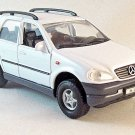 MERCEDES-BENZ M-CLASS WHITE WELLY 1/32 DIECAST CAR MODEL, CAR COLLECTOR'S MODEL