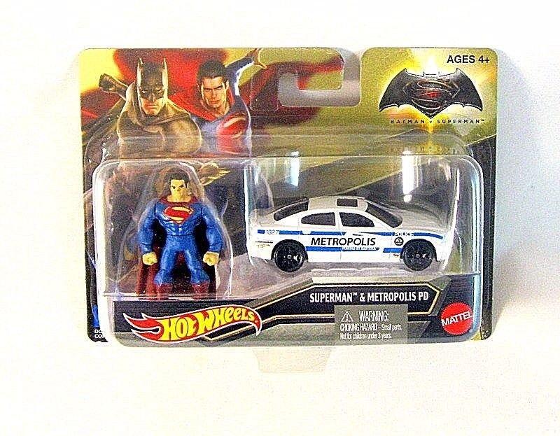 SUPERMAN AND METROPOLIS PD,(CAR+FIGURE) HOTWHEELS 1:64 DIECAST CAR MODEL New