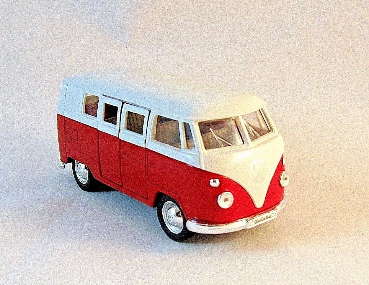 1963 VOLKSWAGEN T1 BUS RED/WHITE WELLY 1/34 DIECAST CAR COLLECTOR'S MODEL, NEW