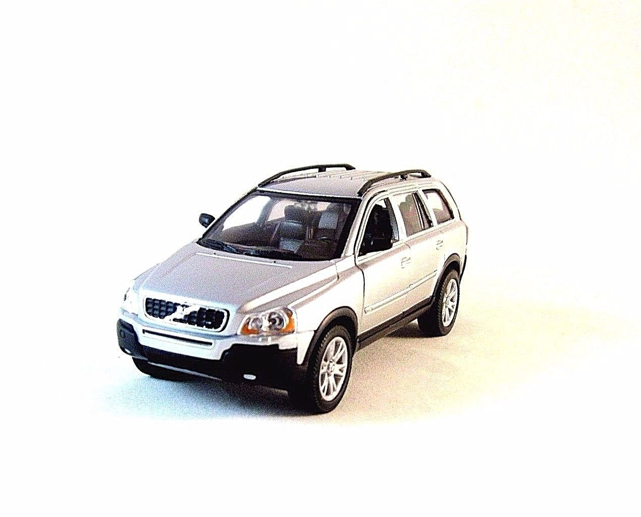 VOLVO XC 90, SILVER WELLY 1/32 DIECAST CAR COLLECTOR'S MODEL ,RARE, NEW