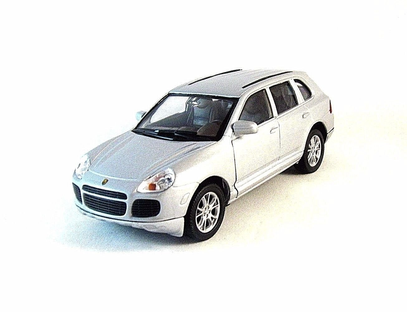 PORSCHE CAYENNE TURBO SILVER WELLY 1/32 DIECAST CAR COLLECTOR'S MODEL ,  NEW