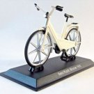 ITERA PLASTIC YEAR 1982 WHITE DELPRADO SCALE 1:15 DIECAST BICYCLE MODEL