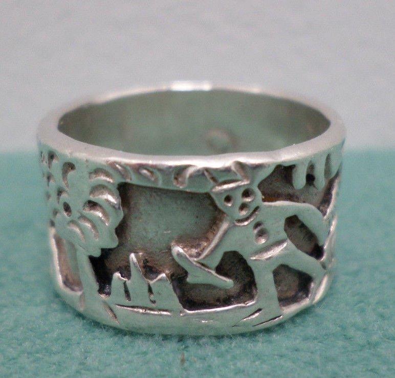 Vintage Navajo Indian Story Teller Ring Sterling Silver 7.5 Grams Size 8