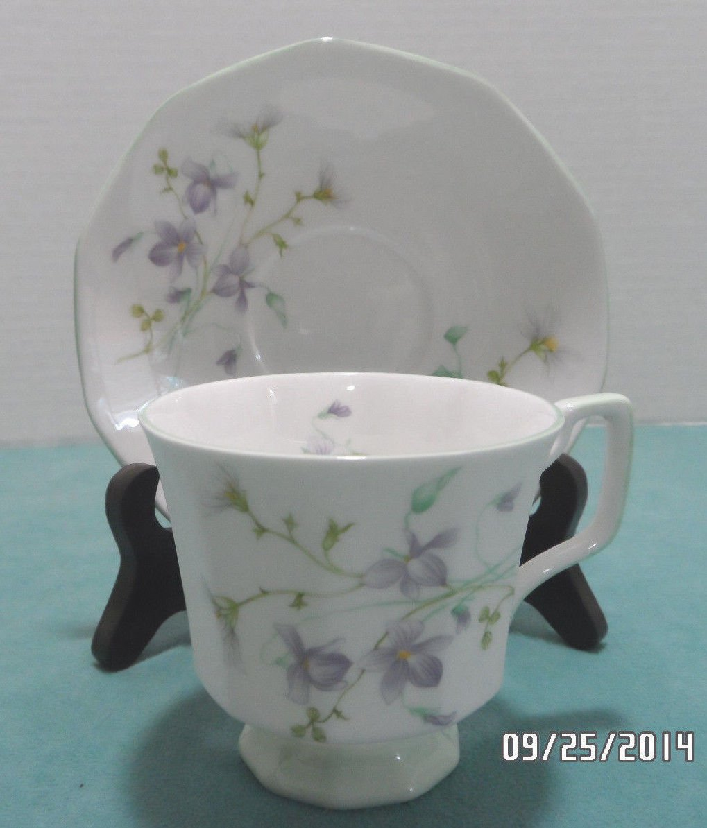 Queens Tea Cup and Saucer Bone China Rosina pattern made in England 1900-1940