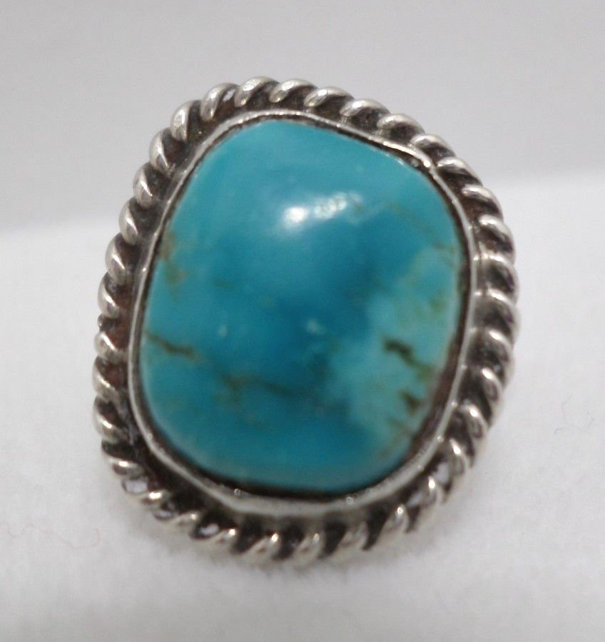 Turquoise Ring Old Pawn Sterling Silver 4.1 Grams Size 5