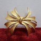 Vintage Brooch or Pin Gold Tone Metal
