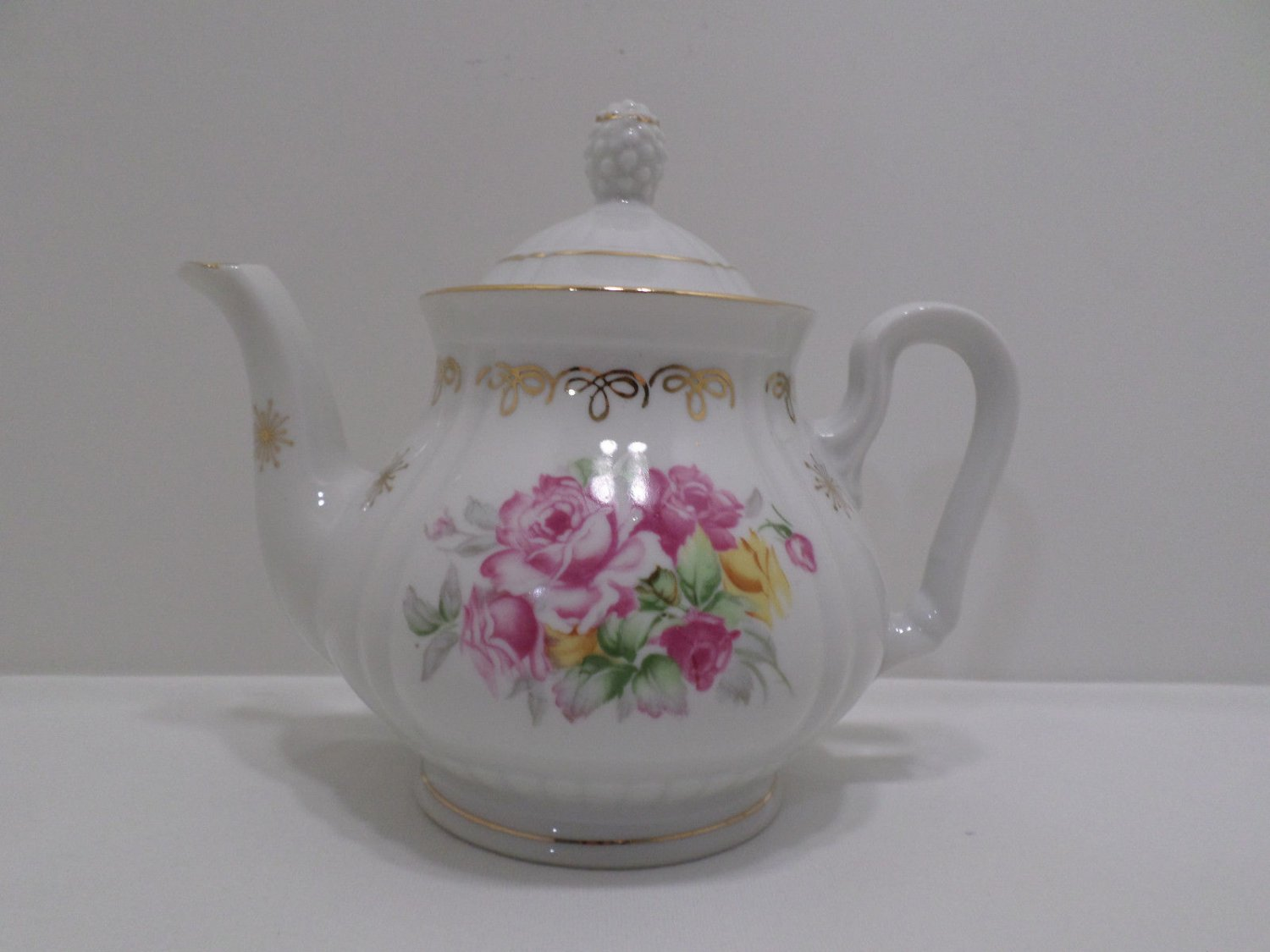Vintage Tea Pot Fine China Toscany Pink and Yellow Roses Design made in Japan