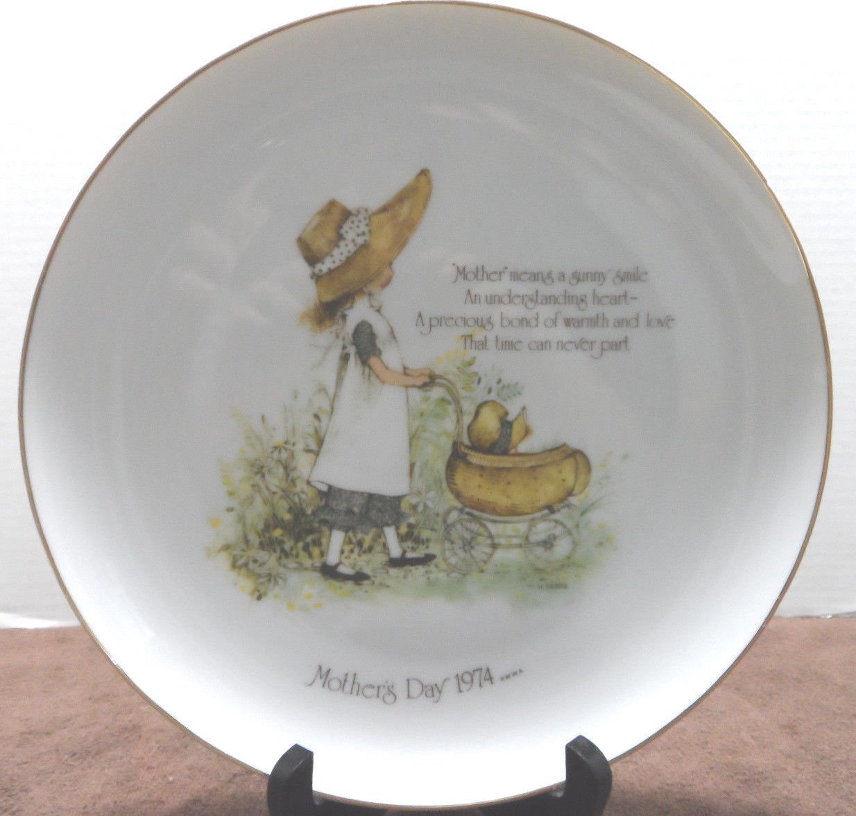 1974 Collector Plate Holly Hobbie Mothers Day made in Japan