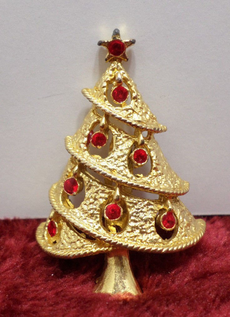 Christmas tree brooch gold tone with red rhinestones for bulbs
