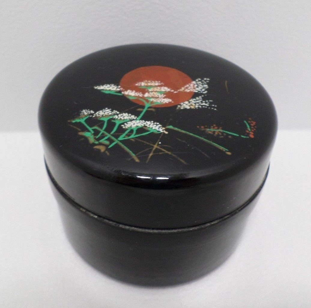Powder Box Round Black Lacquer Made in Japan