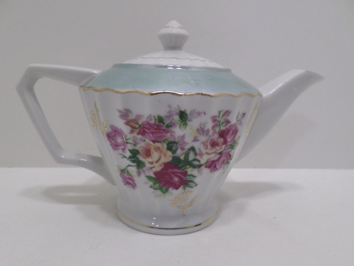 Norleans Tea Pot Porcelain White with Red Floral Pattern Made in Japan