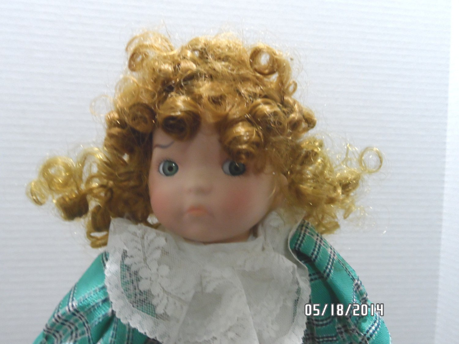 1990 Porcelain Girl Doll by Heritage Mint