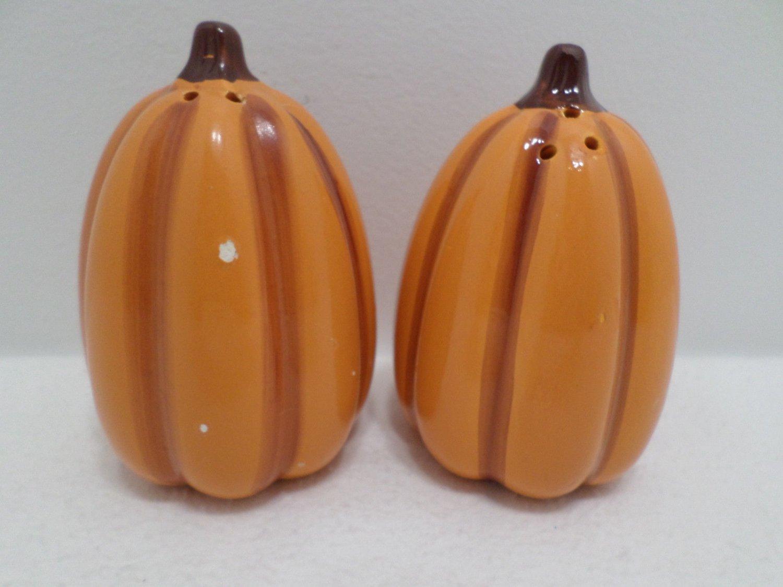 Salt and Pepper shakers Ceramic Pumpkins Thanksgiving Fall Halloween