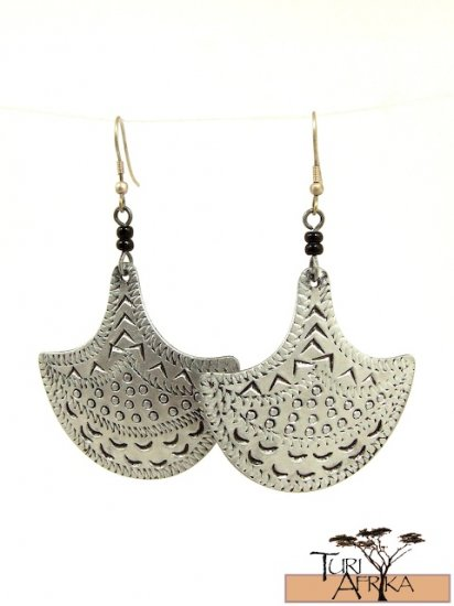 Product ID: 75     Etched Aluminum Shield  Earrings W 2 Black Beads