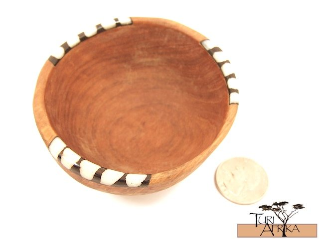 Product ID: 101     Small Finger Bowl Olive Wood and Painted Bone